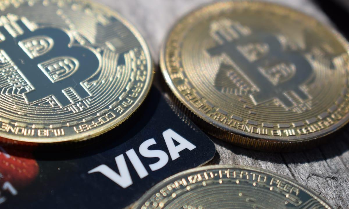 După ascensiune rapidă, bitcoin se prăbușește